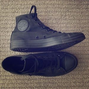 Converse Chuck Taylor All Star High Tops, size 11